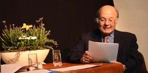 Julius Franzot bei einer Lesung